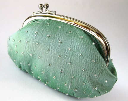 Oval Frame pouch from Oktak (Etsy) $78