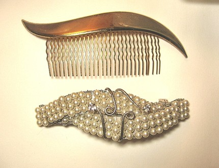 Vintage Hair Accessories from Che Che Couture (Etsy) $5.50